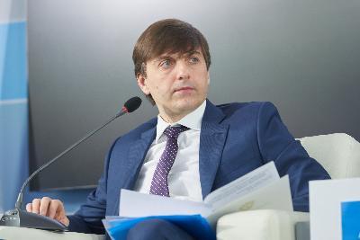 Минпросвещения. Всероссийские проверочные работы перенесли на начало следующего учебного года